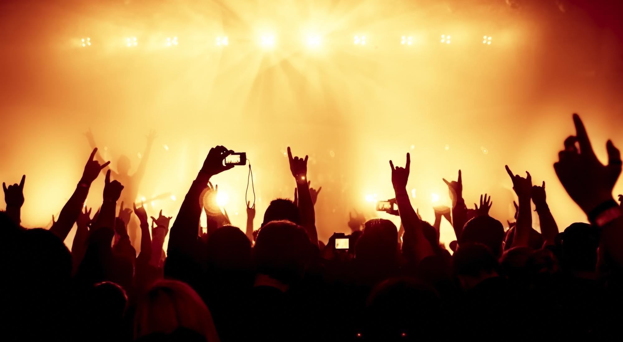 خروجة الثلاثاء.. غناء شعبي وموسيقى وفن وسينما