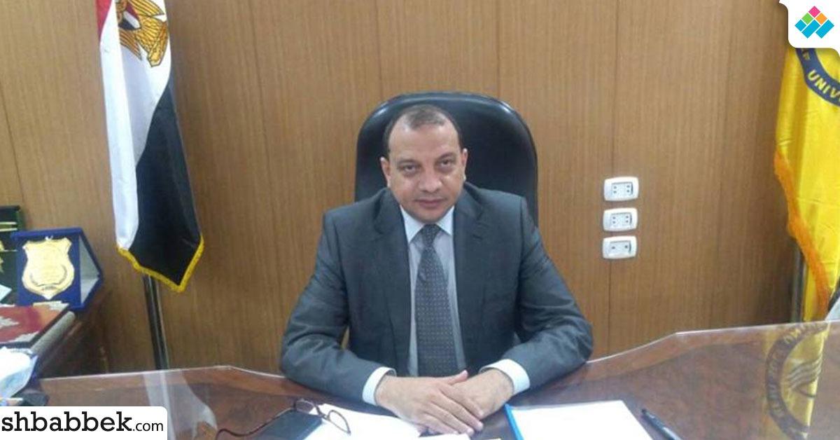 رئيس جامعة بني سويف: محظور التعامل الشخصي بين أعضاء التدريس والطلاب الوافدين