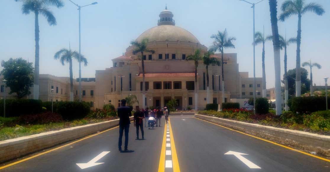 كلية سياسة واقتصاد القاهرة لا تمانع تدريب الطلاب بشركة خمور (بيان)