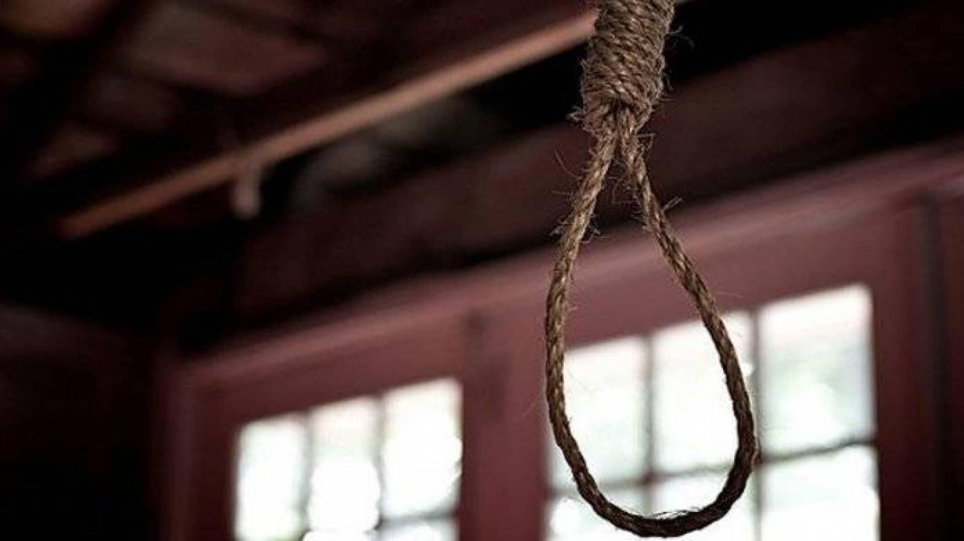 انتحار طالبة في الدقهلية بسبب تليفون محمول