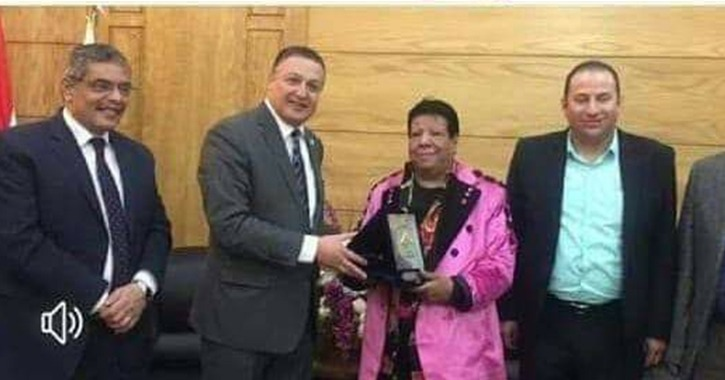 طلب إحاطة لرئيس الوزراء ووزير التعليم العالي بسبب تكريم جامعة بنها لشعبان عبد الرحيم