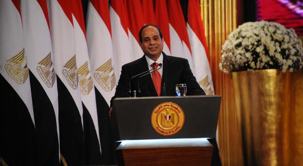 السيسي: «أقسم بالله ما تآمرنا على الرئيس السابق محمد مرسي»