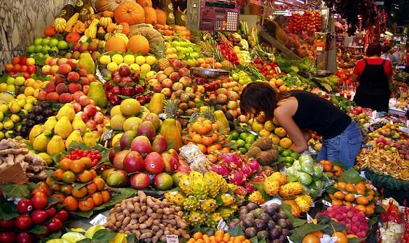 أسعار الفاكهة والخضروات في سوق العبور اليوم الجمعة