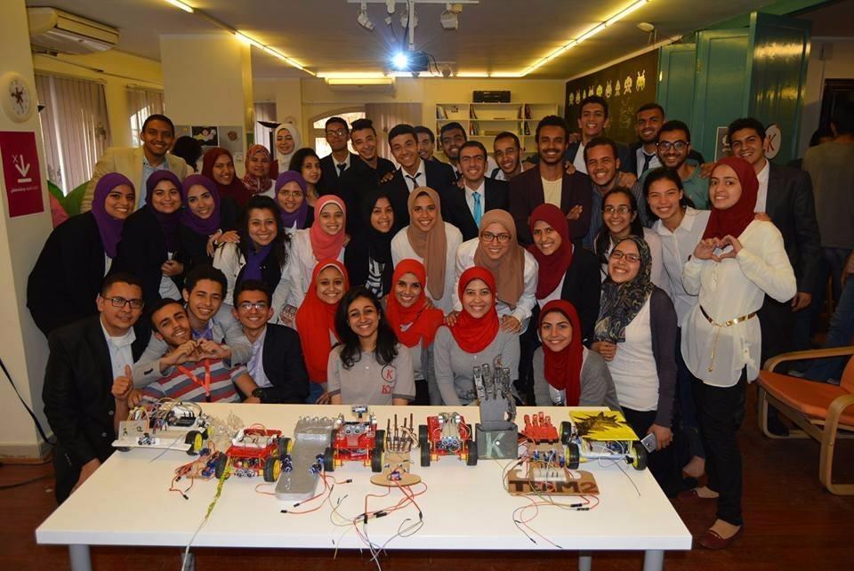 طلاب «k-vector» بجامعة القاهرة يطلق حملة لتعريف زملائهم بالأقسام الهندسية