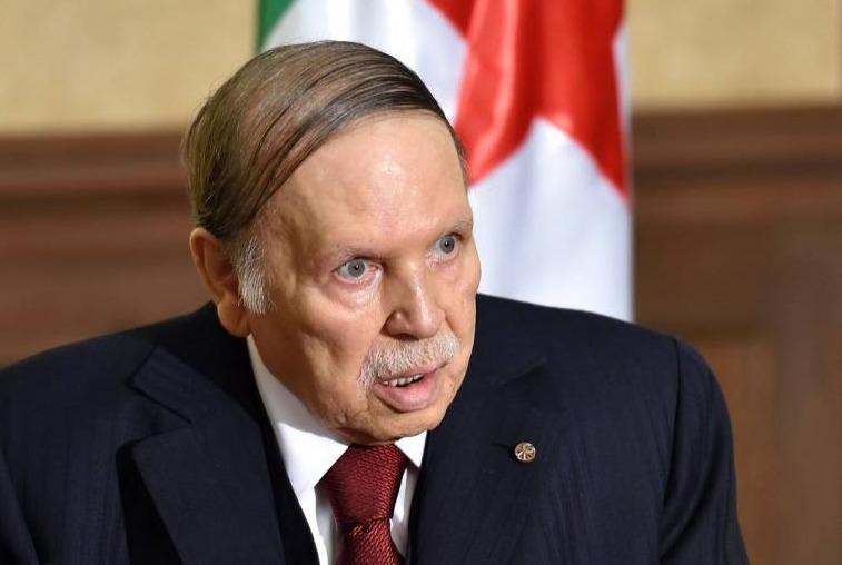 أزمة الجزائر تتصاعد.. بوتفليقة يقيل قائد الجيش