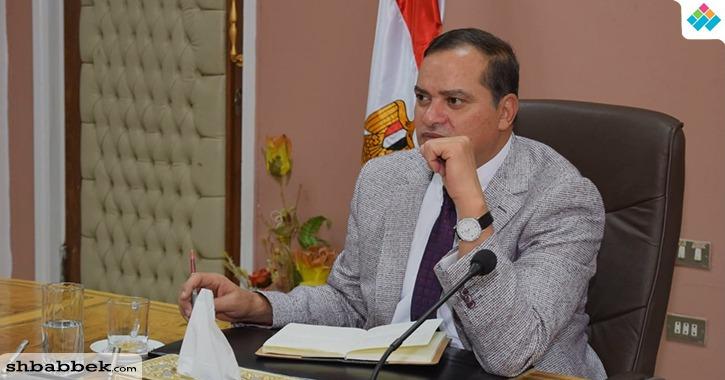 رئيس جامعة سوهاج يتدخل في أزمة رئيس اتحاد كلية حقوق «الغشاش»