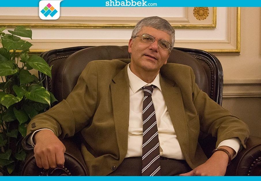 جامعة أمريكية تتحدث عن إنجازات نائب وزير التعليم العالي الدكتور عمرو عدلي