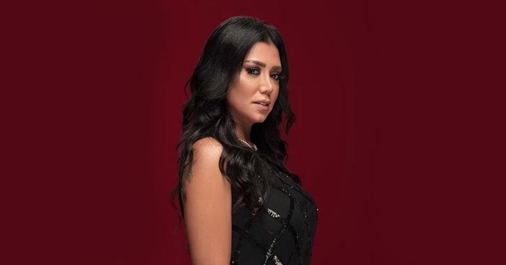 رانيا يوسف: «مش هلبس مقفل والعري من الموضة»