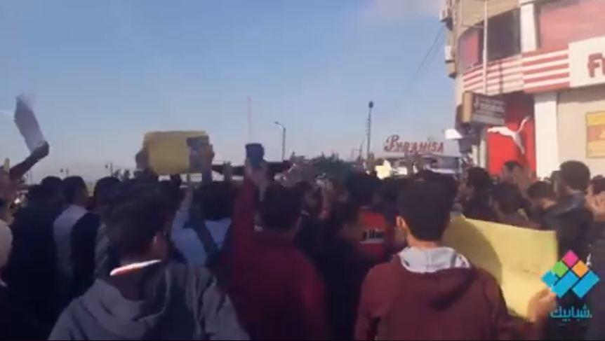 بنرددها جيل ورا جيل بنعاديكي يا اسرائيل.. مظاهرات طلاب جامعة المنصورة