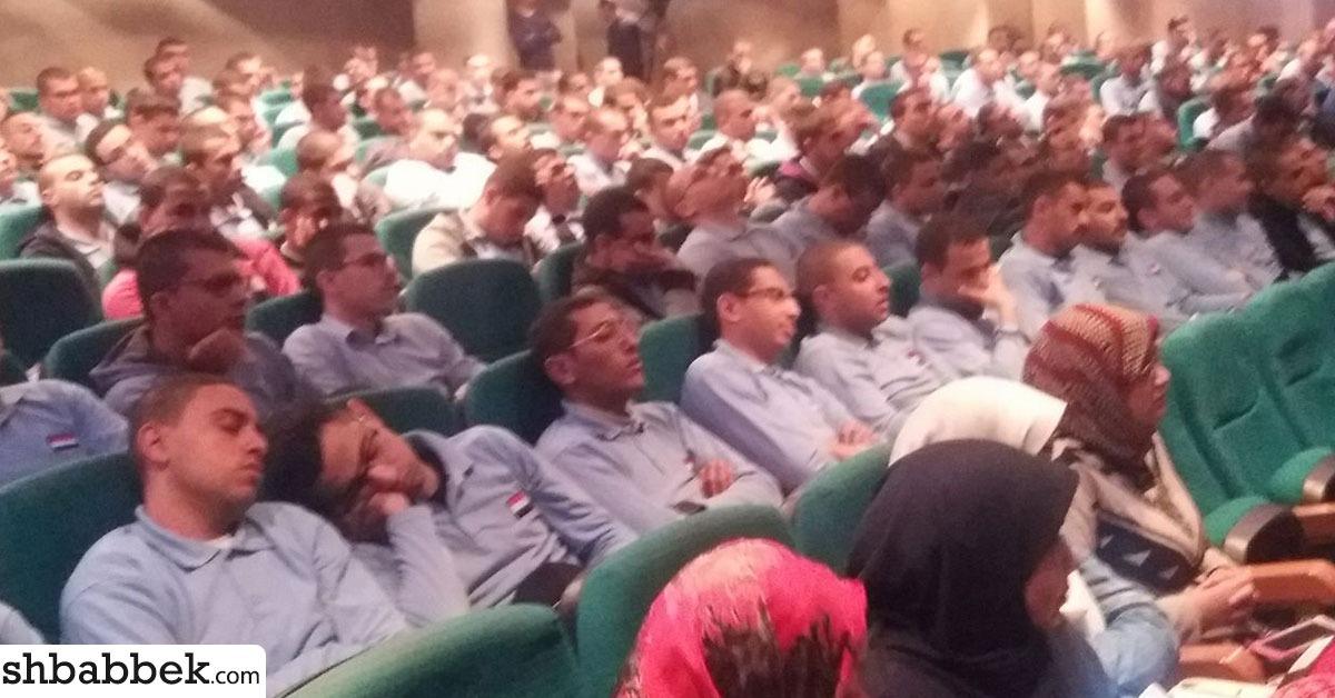 نوم طلاب التربية العسكرية خلال ندوة «روزاليوسف» بجامعة عين شمس (صور)