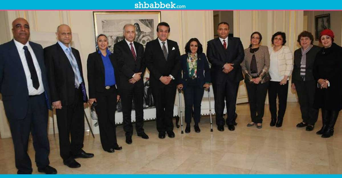 http://shbabbek.com/upload/وزير التعليم العالي يزور المكتب الثقافي بباريس