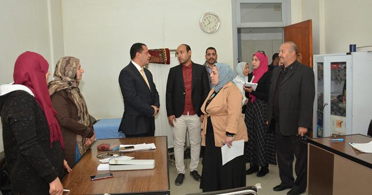 نائب رئيس جامعة أسيوط يتفقد مستشفى الطلبة