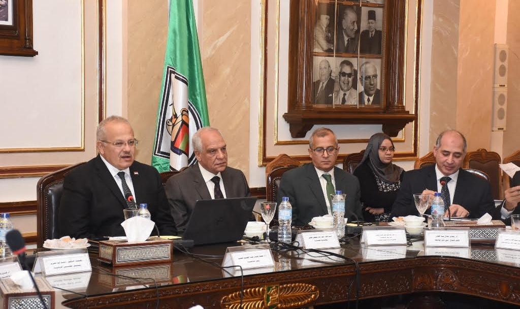 مجلس جامعة القاهرة يناقش خطة استقبال الطلاب الجدد والأنشطة