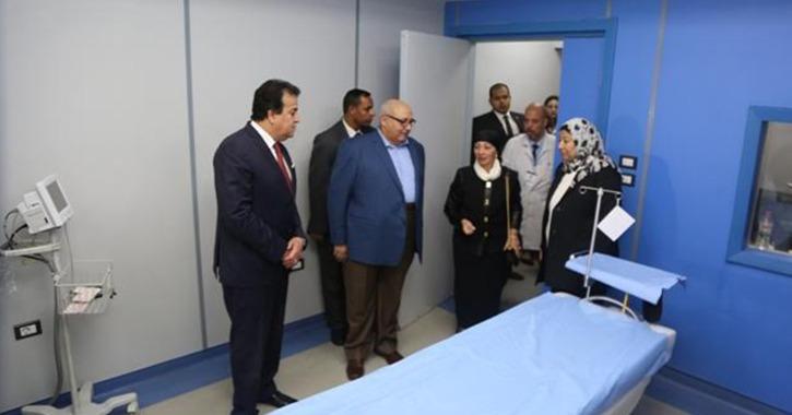 وزير التعليم العالي يفتتح تجديدات «طب عين شمس» ومستشفى الدمرداش