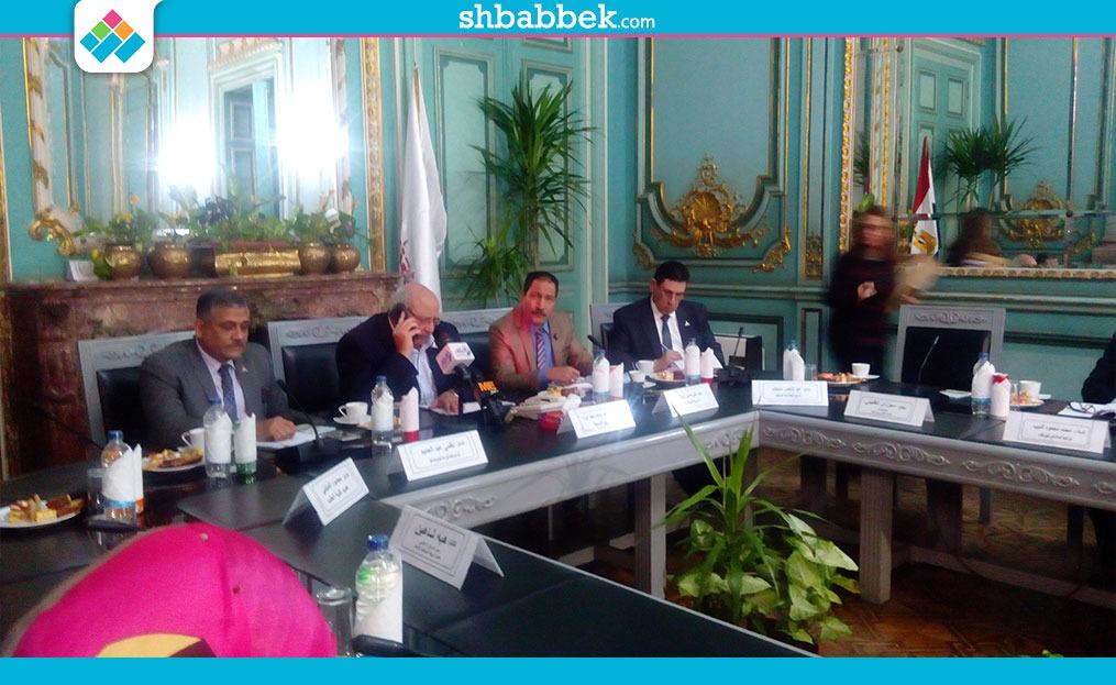 رئيس جامعة عين شمس: التثقيف السياسي متاح داخل الجامعة