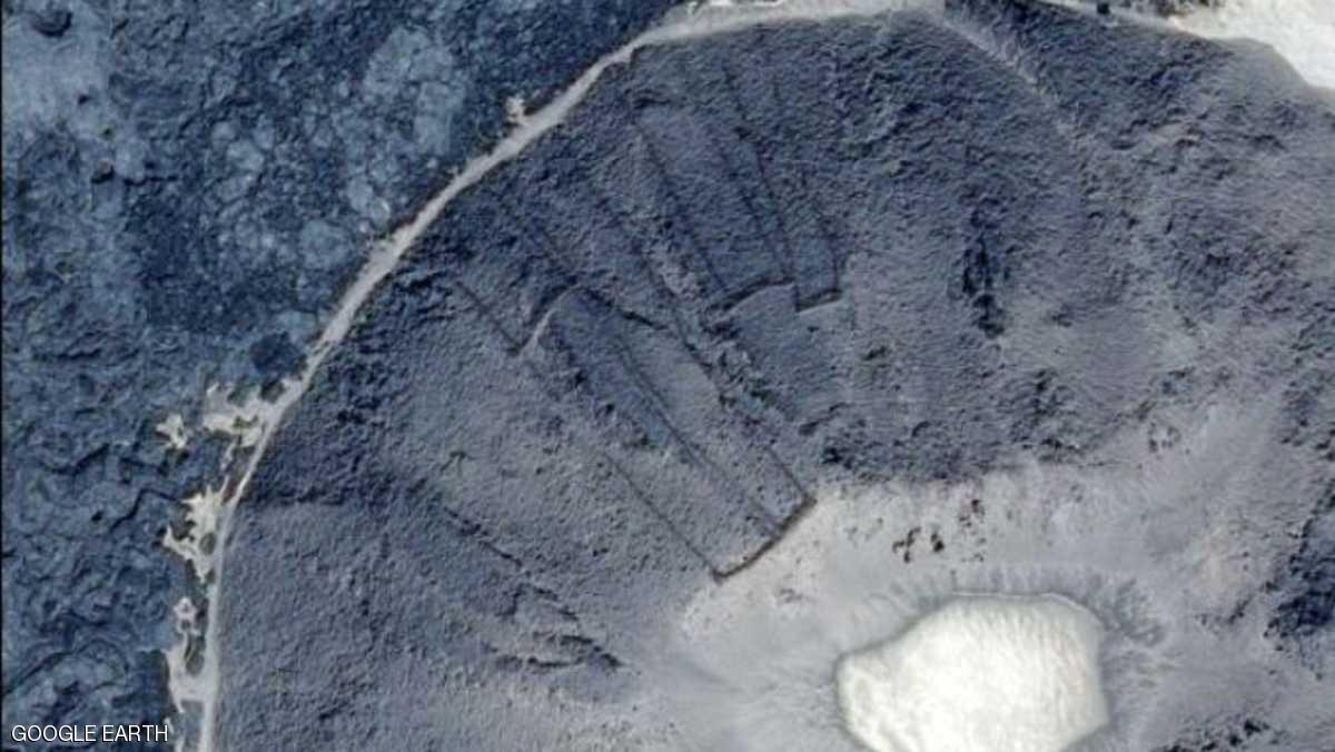 باحث أسترالي يكتشف «بوابات غامضة» في صحراء السعودية