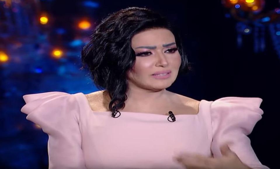 سمية الخشاب تكشف سبب اعتداء أحمد سعد عليها (فيديو)