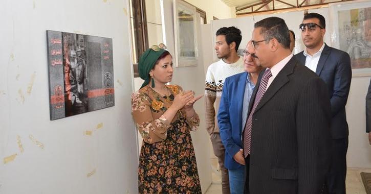 جامعة أسيوط تستعرض التراث الشعبي للوادي الجديد في معرض للفن التشكيلي