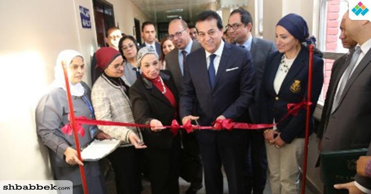 وزير التعليم العالي يفتتح غرف العزل للقلب والصدر بمستشفى أبو الريش الياباني (صور)