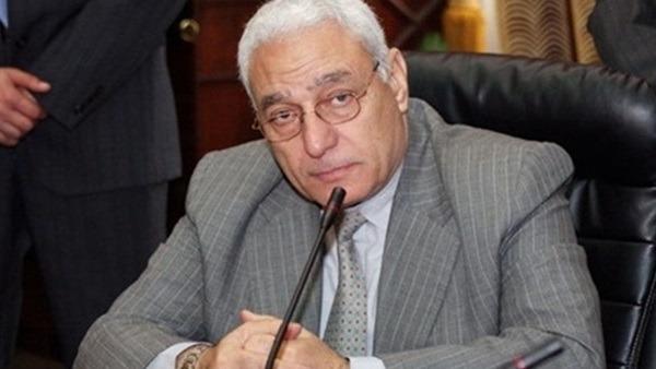 رئيس سابق للأزهر يطالب بدعم الجامعة: «تضم نصف مليون طالب»