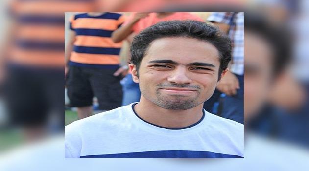 صورة «قاسية» لشادي أبو زيد خلال جنازة والده