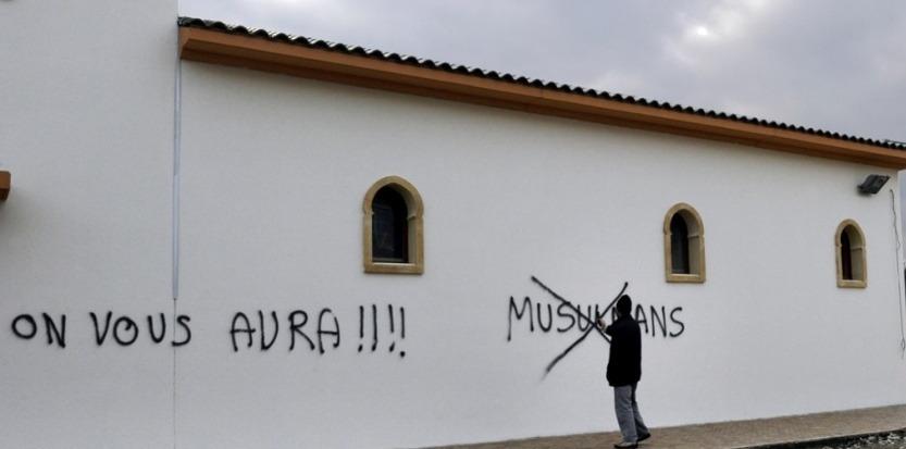 مصير الجاليات المسلمة في أوروبا وامريكا.. بين العنصرية والدهس