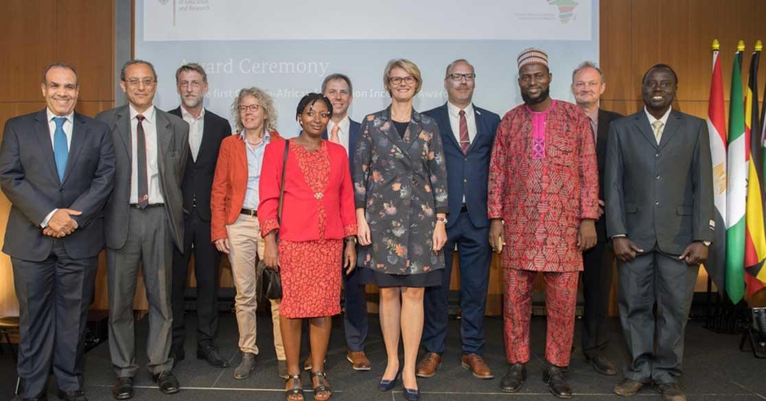 الجامعة الألمانية تفوز بالجائزة الفيدرالية العالمية للأبتكار وتمويل الأبحاث