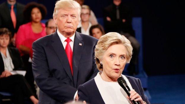 هيلاري كلينتون موّلت «شركة حيل قذرة» لمواجهة ترامب