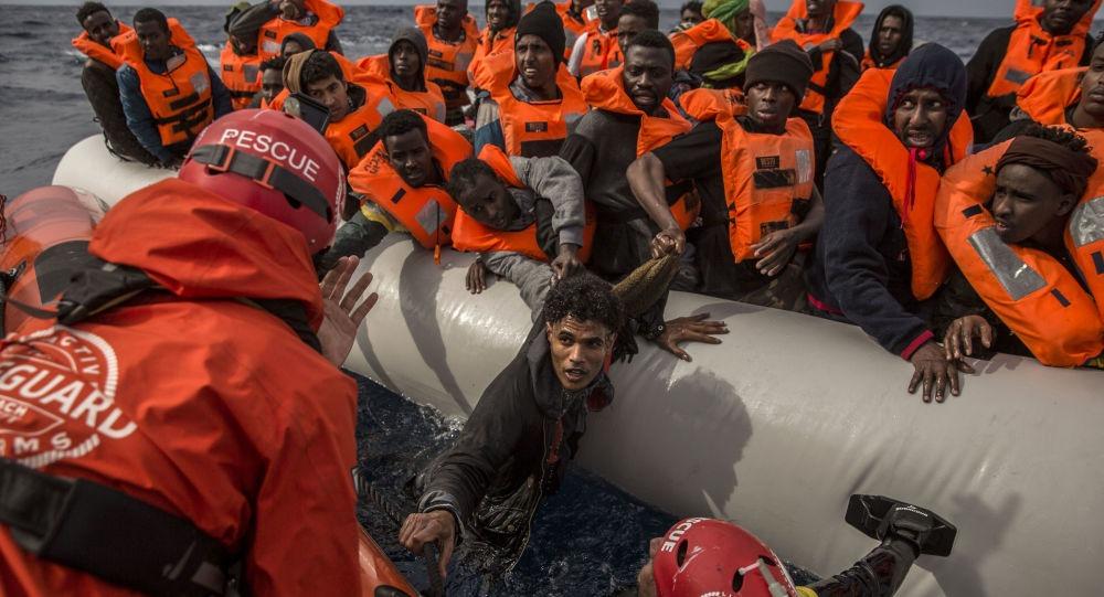 بينهم 12 مصريًا.. «البحرية الليبية» تنقذ 235 مهاجر غير شرعي قرب سواحلها