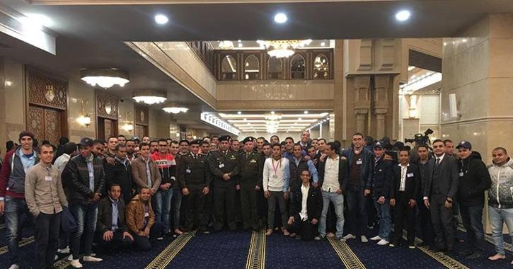 شاهد طلاب جامعة الأزهر خلال افتتاح مسجد العاصمة الإدارية