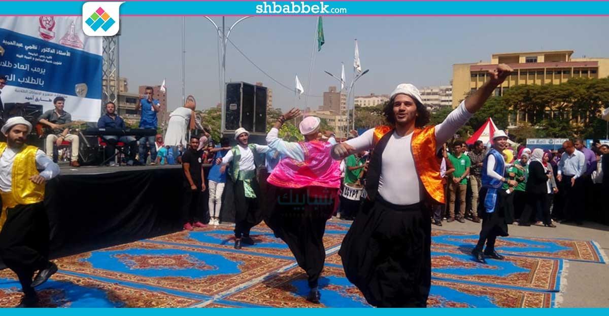أغاني ورقصات شعبية بمهرجان استقبال الطلاب بعين شمس (صور)