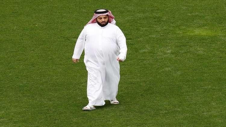 تركي آل الشيخ يرصد مكافأة خاصة من أجل هزيمة الأهلي (فيديو)