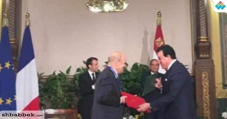وزير التعليم العالي يوقع اتفاقية إعادة تأسيس الجامعة الفرنسية في مصر