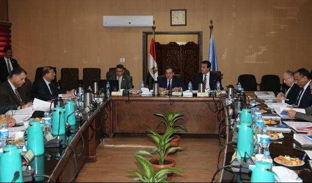 وزير التعليم العالي يوجه بزيادة المكافآت المالية لمعهد بحوث البترول