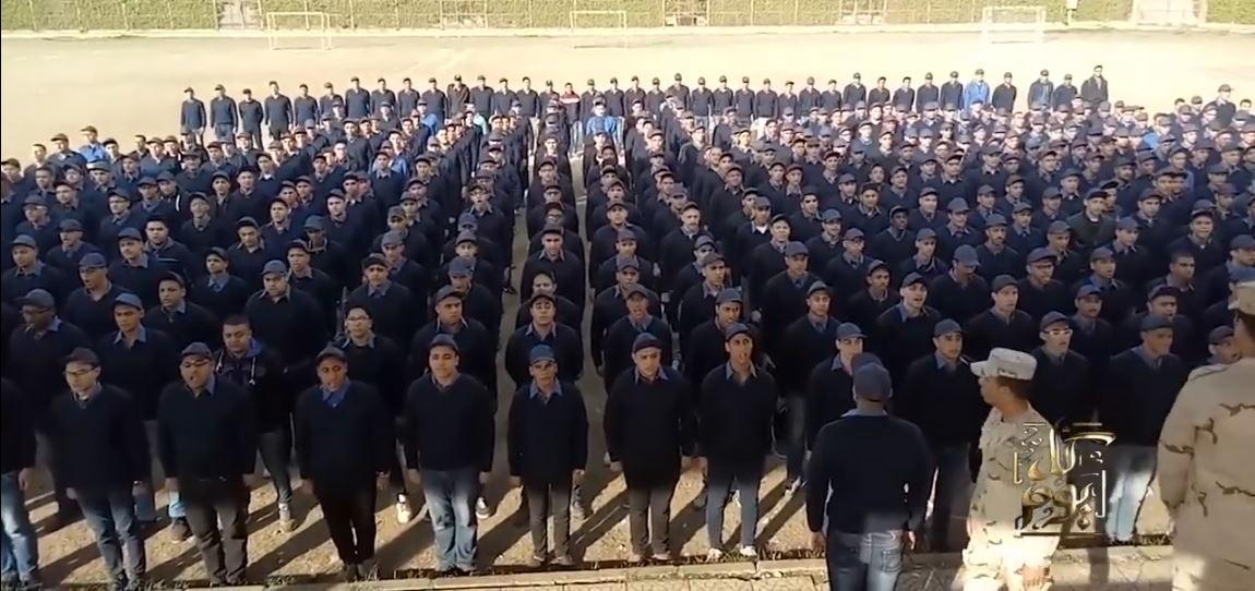 طلاب جامعة القاهرة يهتفون للجيش: «قالوا إيه علينا وقالوا إيه»