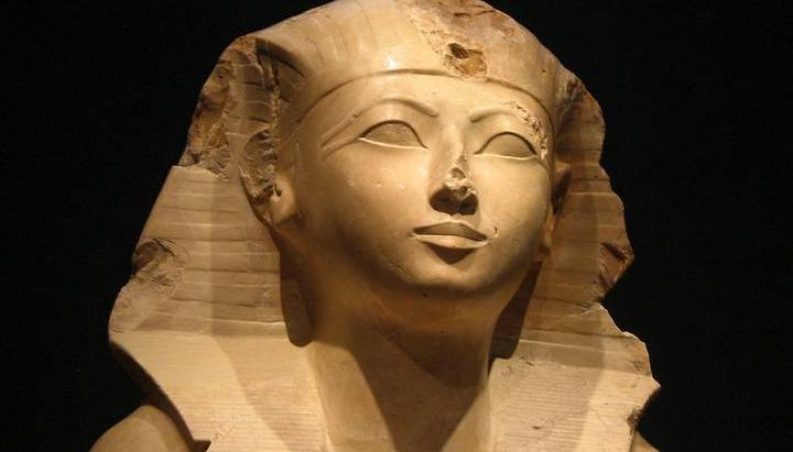 الملكة حتشبسوت.. خليلة آمون التي تزوجت أخيها