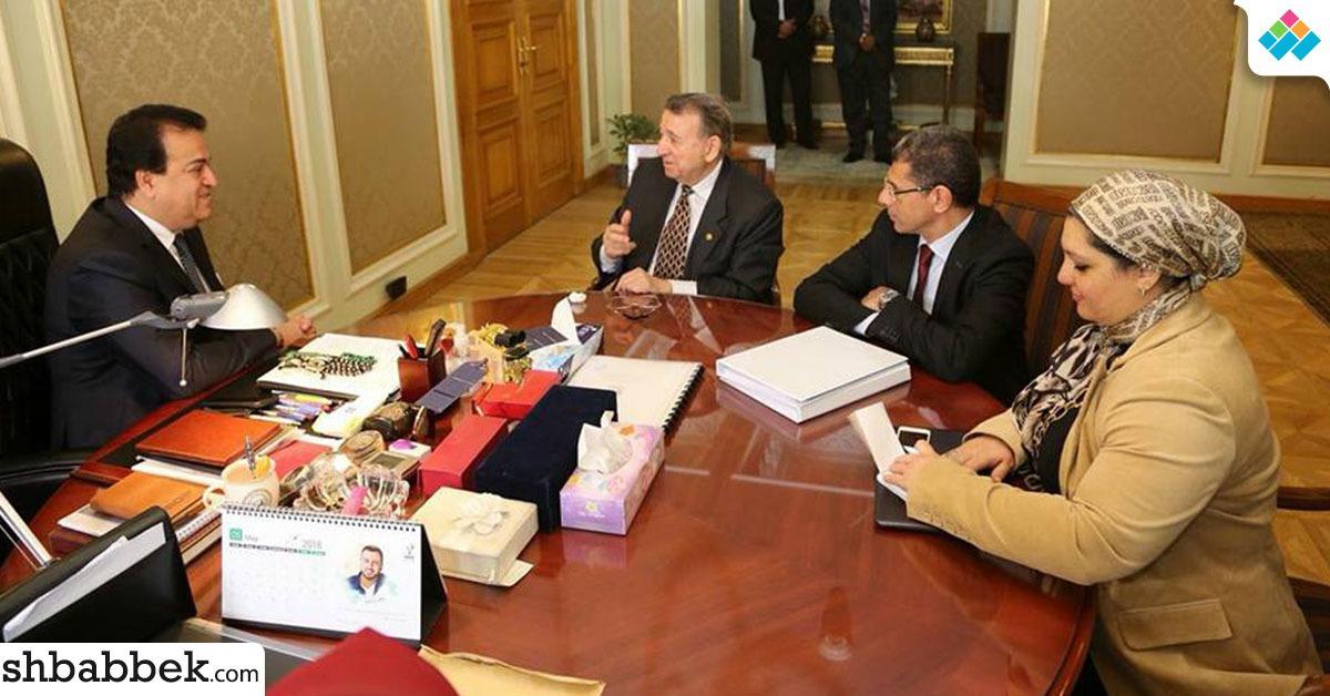 بالصور.. وزير العليم العالي يستقبل العالم مصطفى السيد بمقر الوزارة