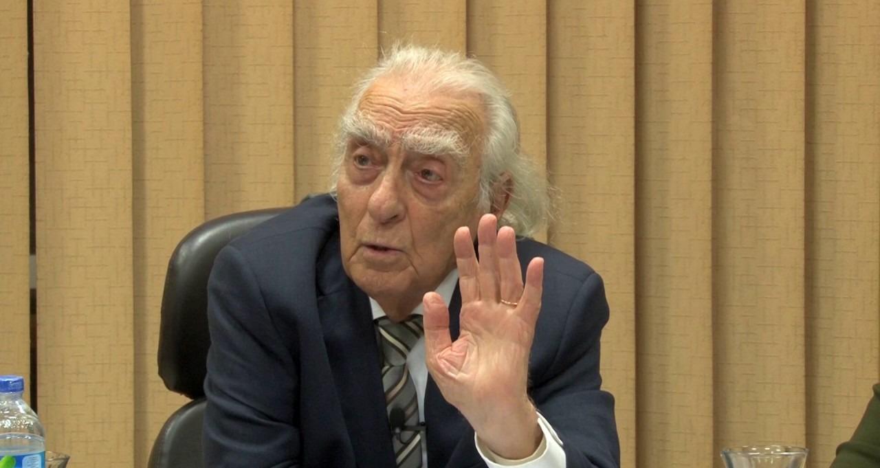 فيديو| مراد وهبة يطالب بإلغاء «التربية الدينية» من المدارس