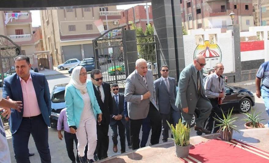 رئيس جامعة السادات يتفقد الكليات في أول أيام الدراسة