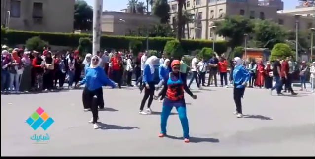 استعراض لطالبات جامعة القاهرة ضمن فاعليات استقبال العام الدراسي الجديد