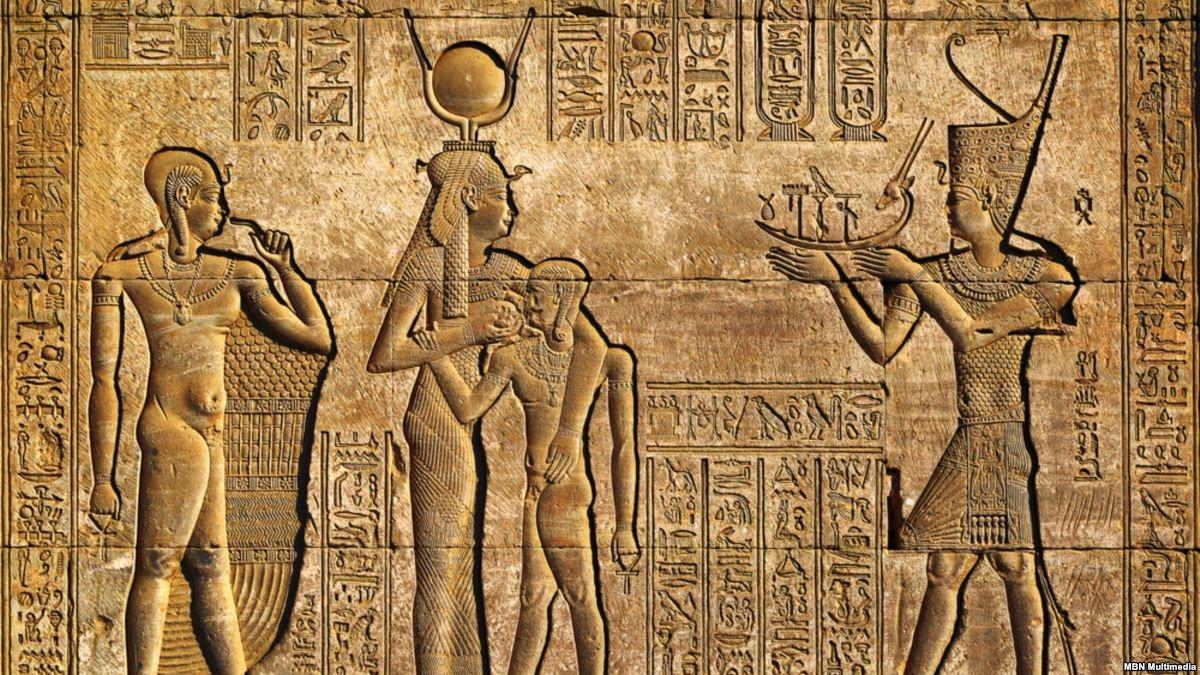تاريخ الفراعنة.. 5 كتب تذهب بك إلى حياة المصريين القدماء