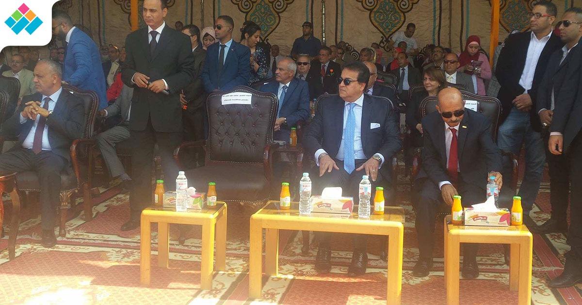 وزير التعليم العالي يشارك في احتفالات جامعة حلوان (صور)