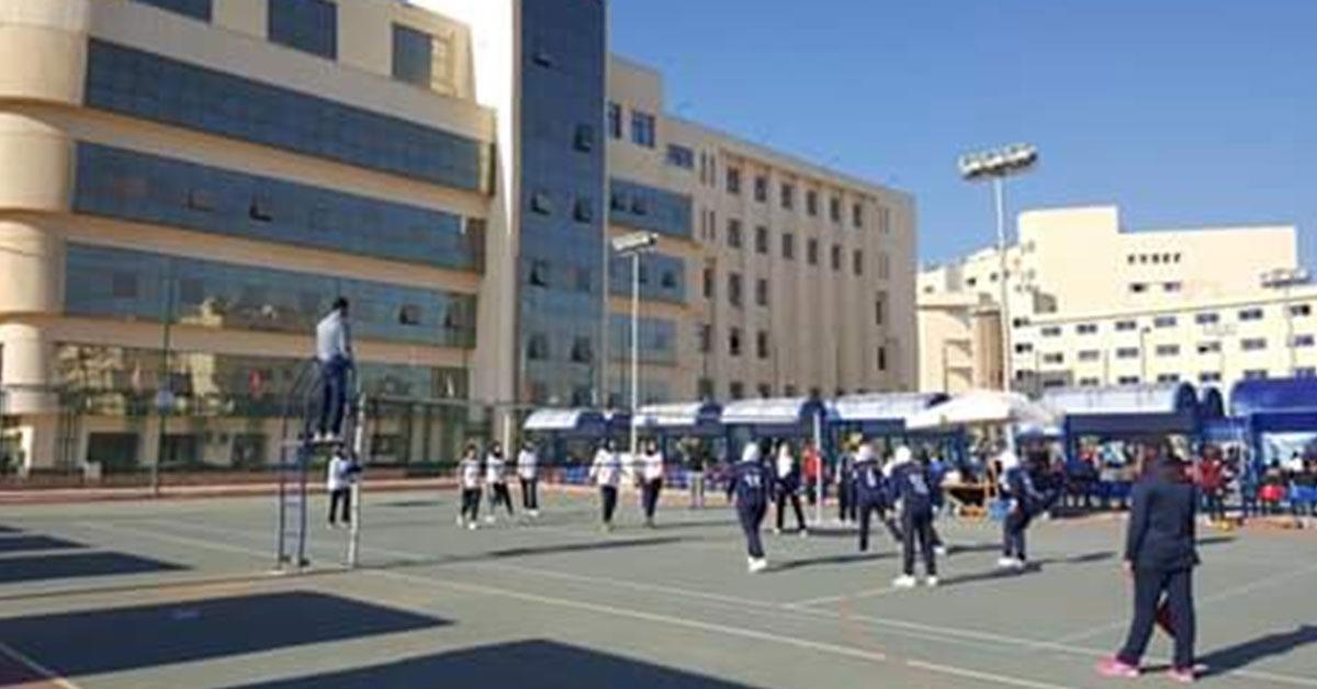 جامعة عين شمس تتأهل لدور الثمانية في مسابقة الكرة الطائرة بأسبوع شباب الجامعات