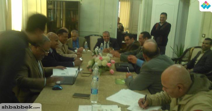 رئيس جامعة الأزهر يناقش خطة 2022 الاستراتيجية