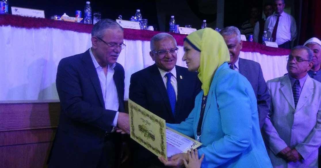 رئيس جامعة المنيا يشهد حفل تكريم الأمهات المثاليات «صور»