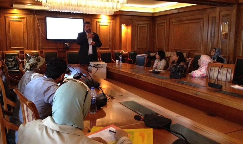 وزير التعليم العالي يستعرض تقريرا حول أنشطة صندوق العلوم والتنمية التكنولوجية