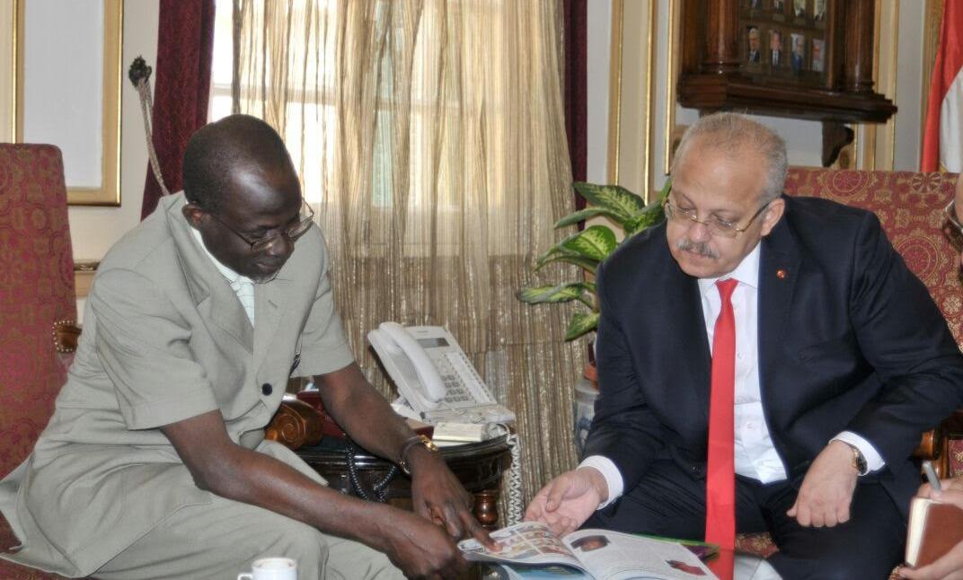 جامعة القاهرة تستقبل وفدا من نيجيريا لبحث التعاون العلمي