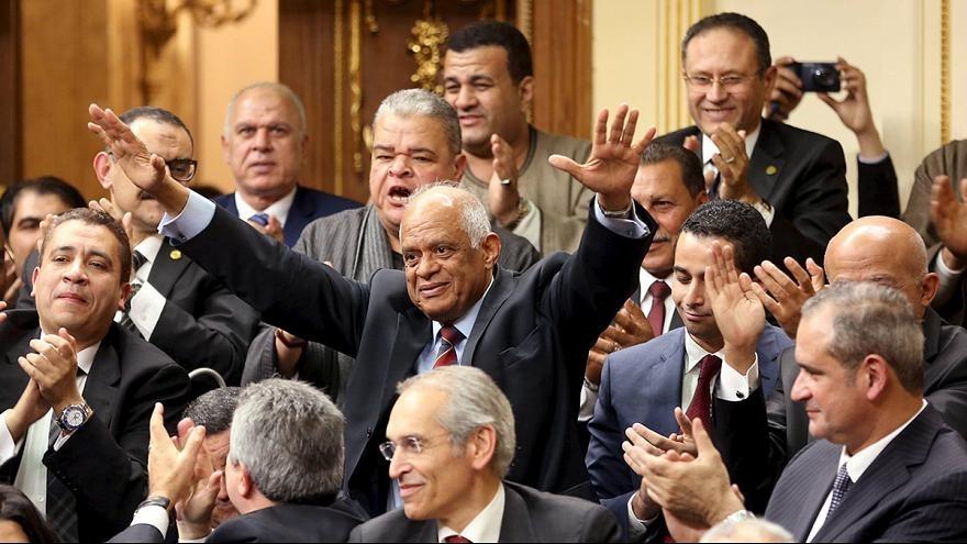 البرلمان:  485 عضوا وافقوا على التعديلات الدستورية