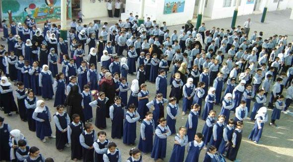 توزيع وجبات على طلاب المدارس أول ديسمبر