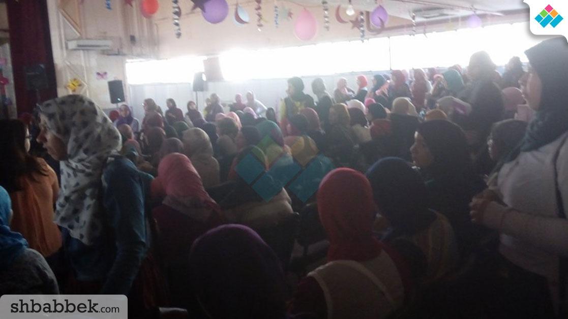 بسبب الطالبات.. إلغاء حفل هشام الجخ بـ«بنات عين شمس»